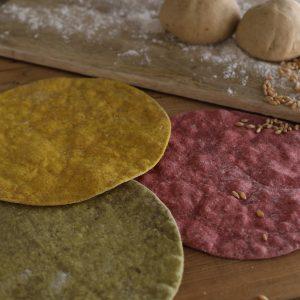 تورتيلا الحبوب الكاملة والخميرة الطبيعية