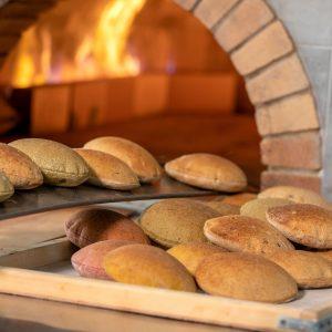 خبز الحبوب الكاملة و الخميرة الطبيعية